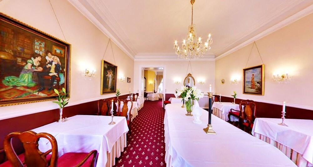 Gallery image of Hvedholm Slotshotel