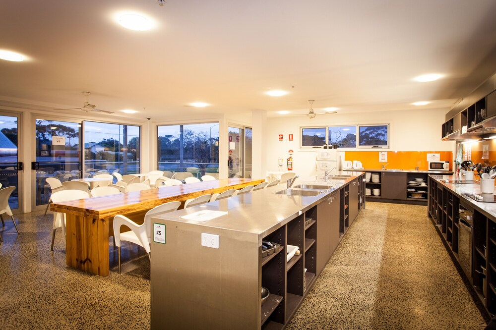 Gallery image of The Island Accommodation Hostel