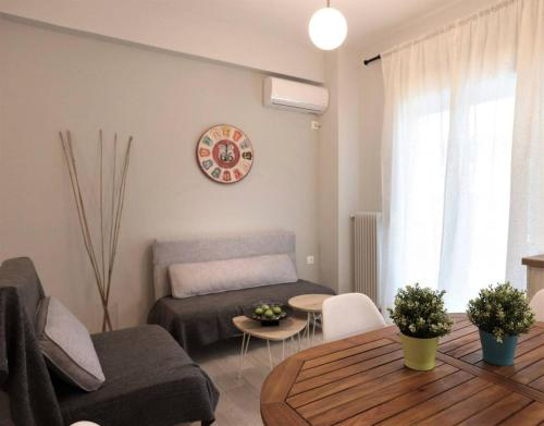 Pale Coloured Apt in Athens Historic Centre
