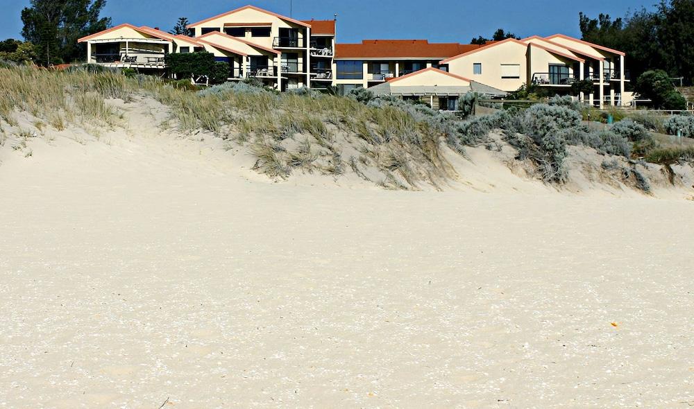 Scarborough & Absolutely Beachfront