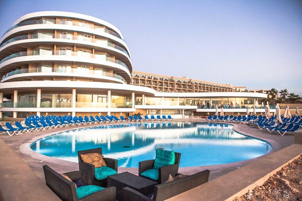 Gallery image of Ramla Bay Resort