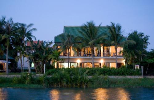 The Villa @ Red Bridge