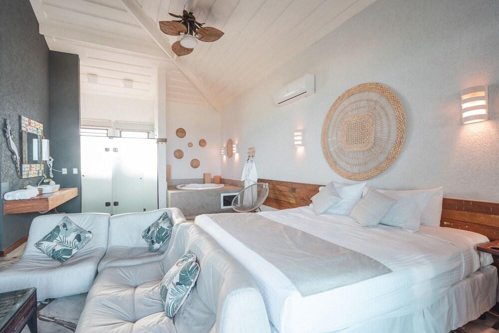 Gallery image of Pier Beach Hotel