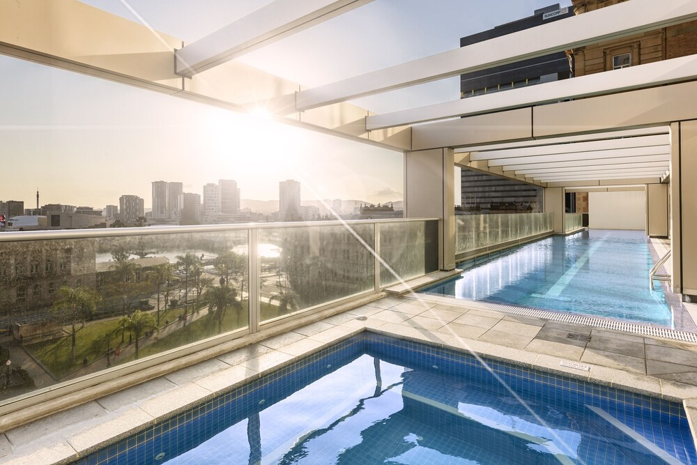 Oaks Brisbane Casino Tower Suites