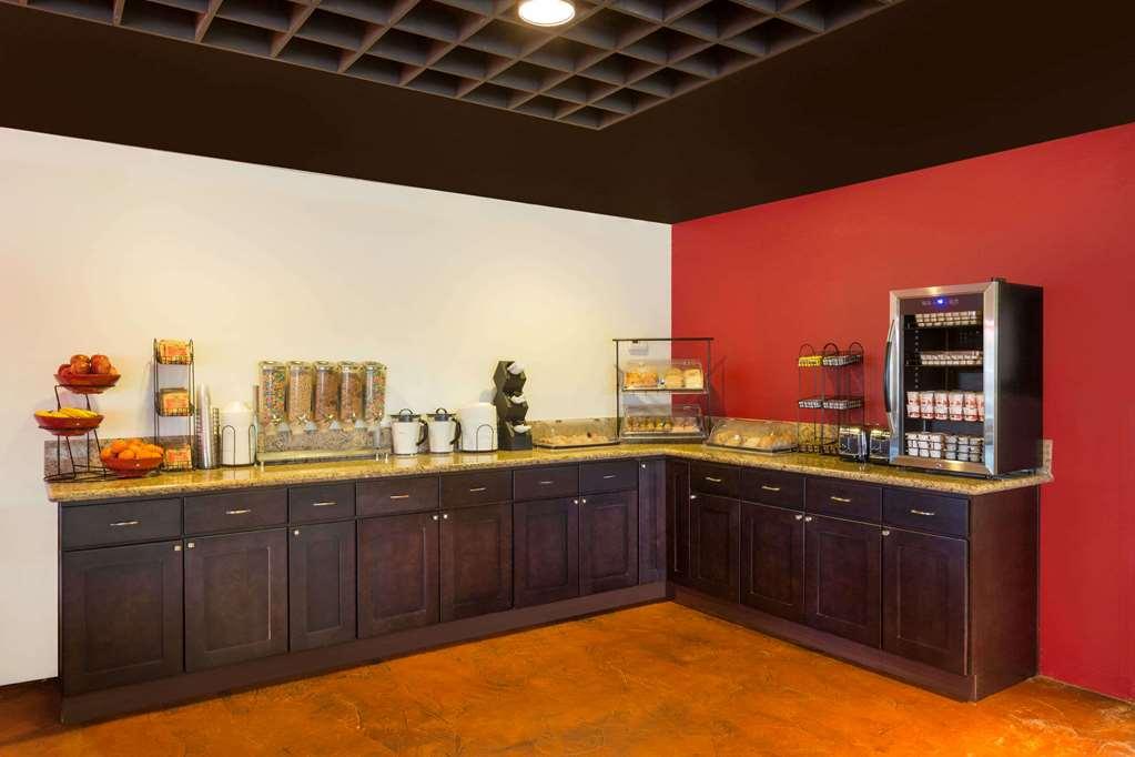 Gallery image of Ramada by Wyndham Cedar City