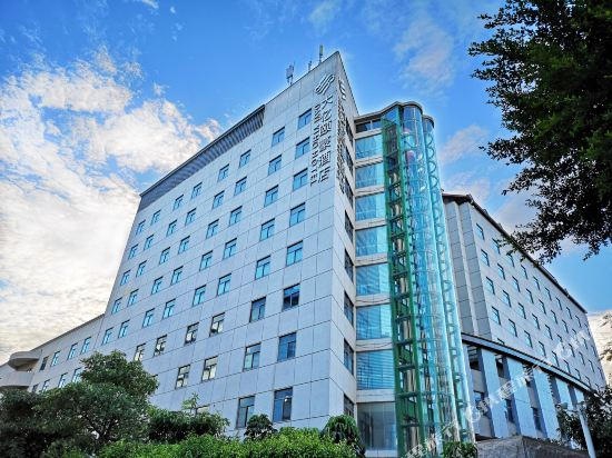 Dayi Yiho Hotel