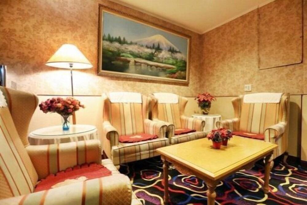 Hotel Lee Chan