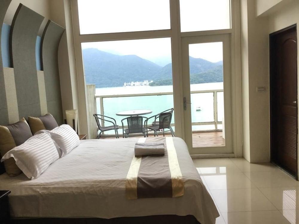Ming Lake Dike Resort
