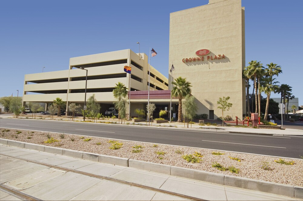 Gallery image of Crowne Plaza Phoenix Phx Airport