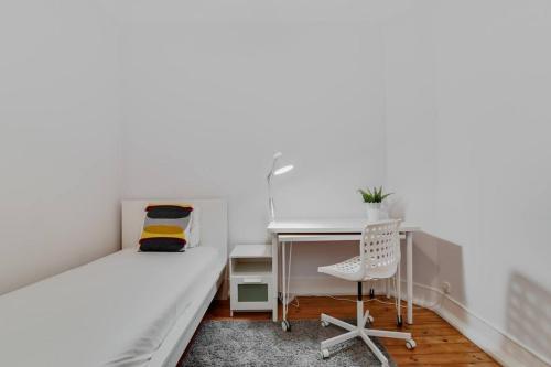 Central 4 Bed Apartment Near Sete Rios