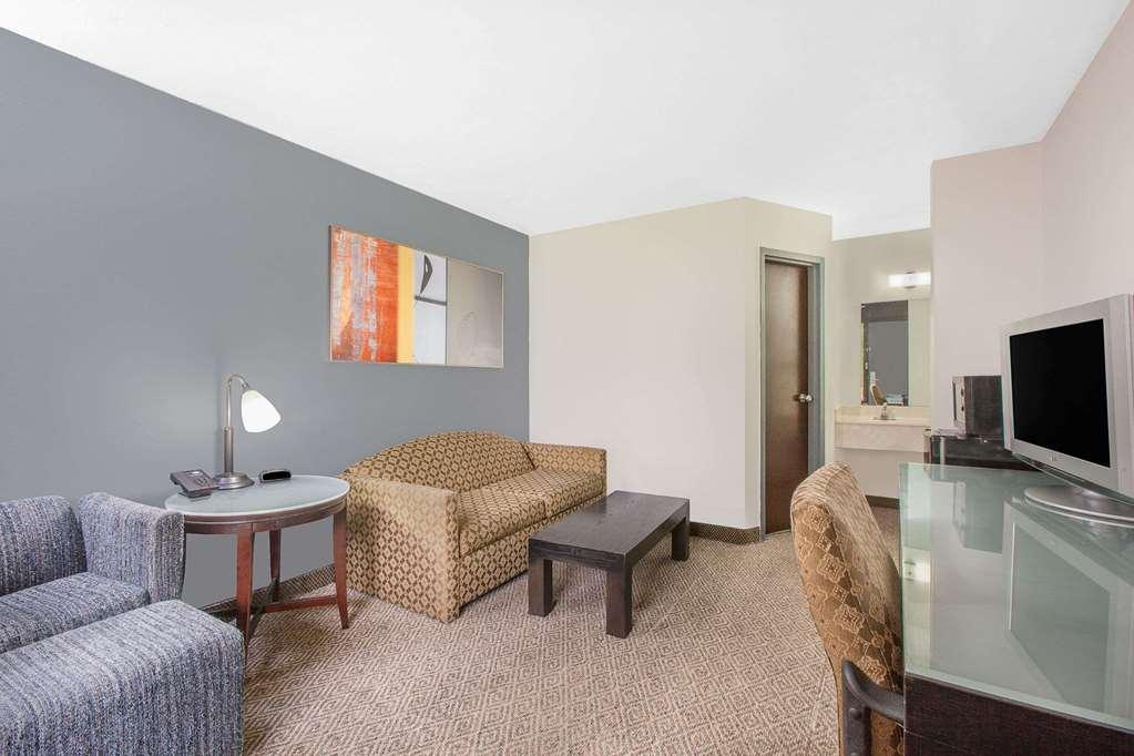 Gallery image of Days Inn by Wyndham Benton
