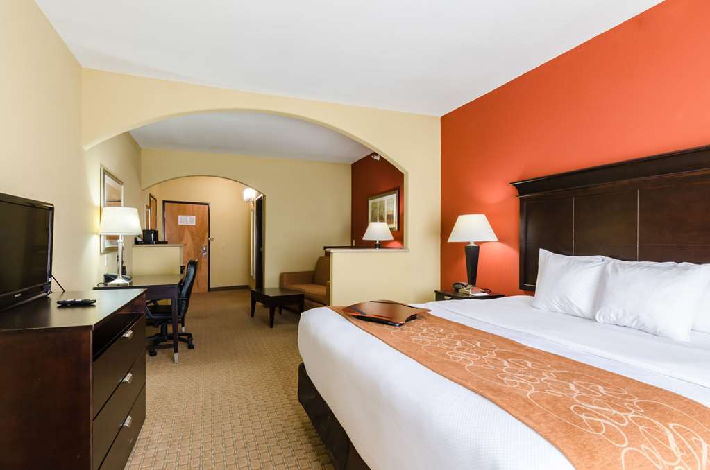Gallery image of Comfort Suites Salina South
