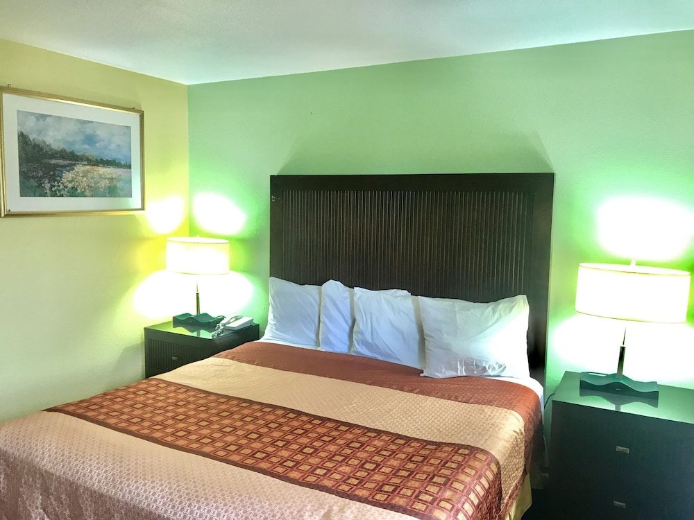 Gallery image of Travelers Inn Medford I 5