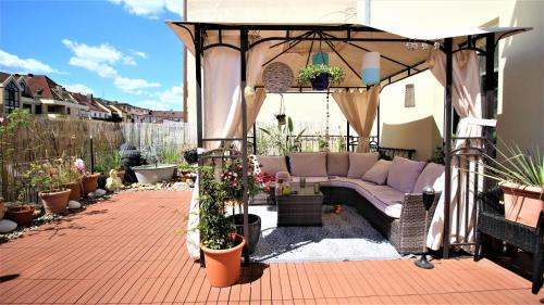 Private room with sunny roof terrace