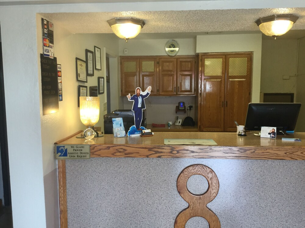 Gallery image of Super 8 by Wyndham New Castle