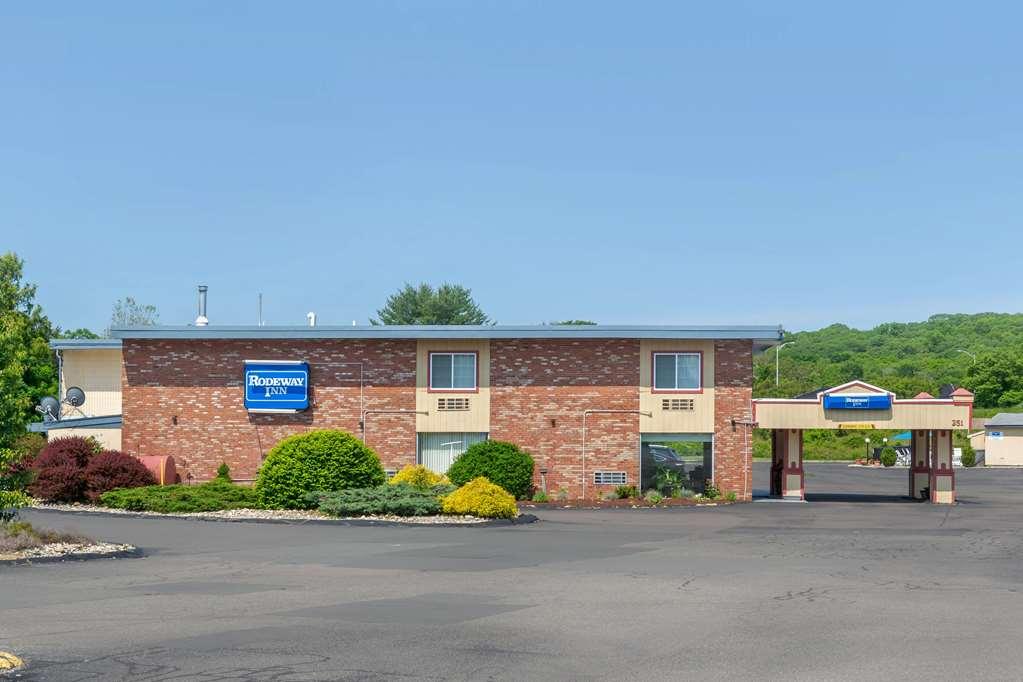 Gallery image of Rodeway Inn Mystic