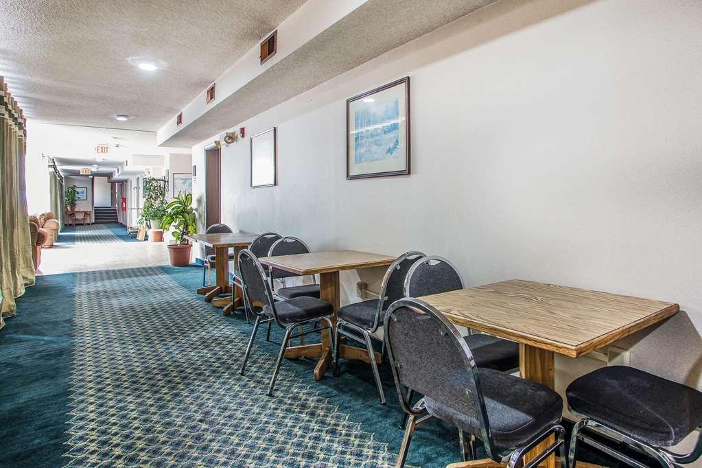 Gallery image of Rodeway Inn Bedford