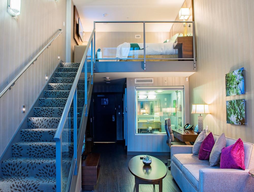 Hotel Blu Vancouver