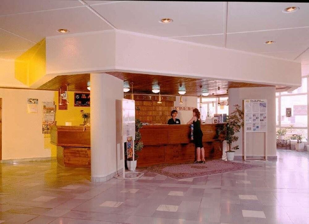 Gallery image of Kompas