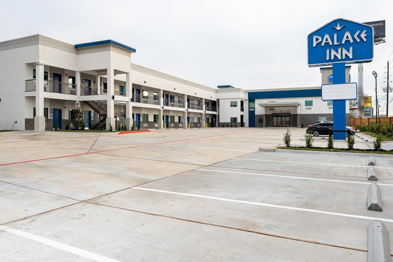 Palace Inn Blue IAH East