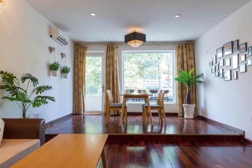 Wooden Apartment Bui Vien