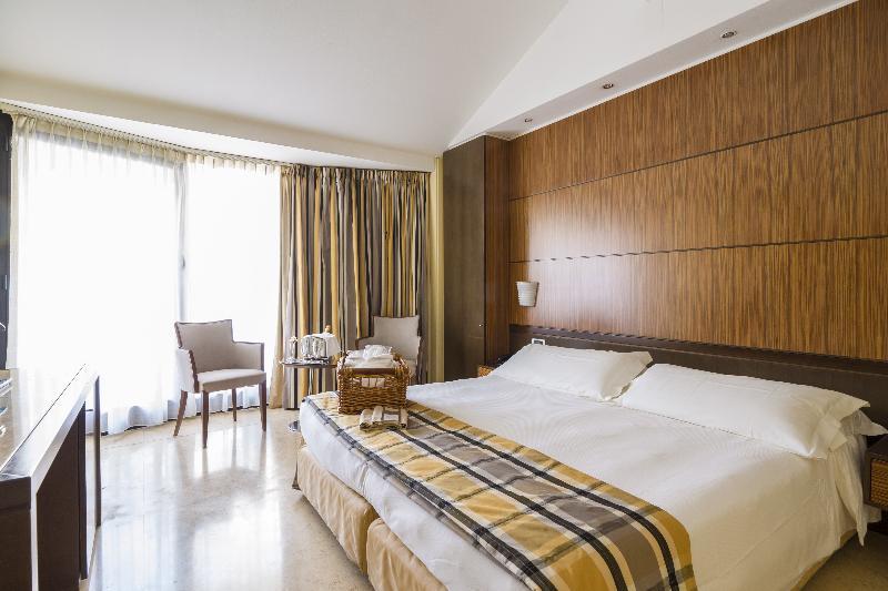 Hotel Carrobbio