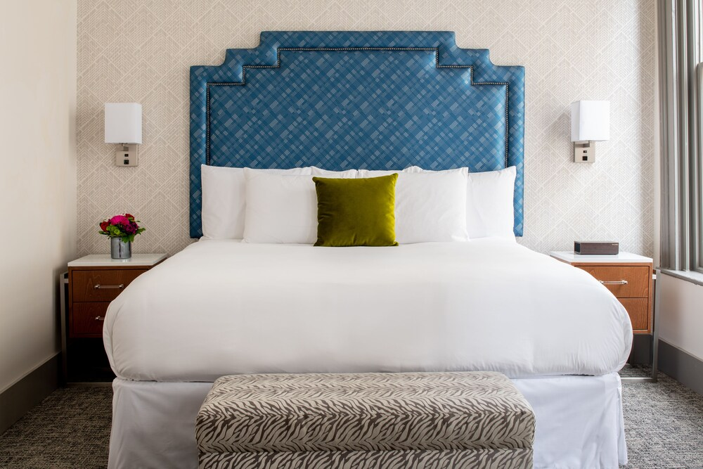 Harlow Hotel