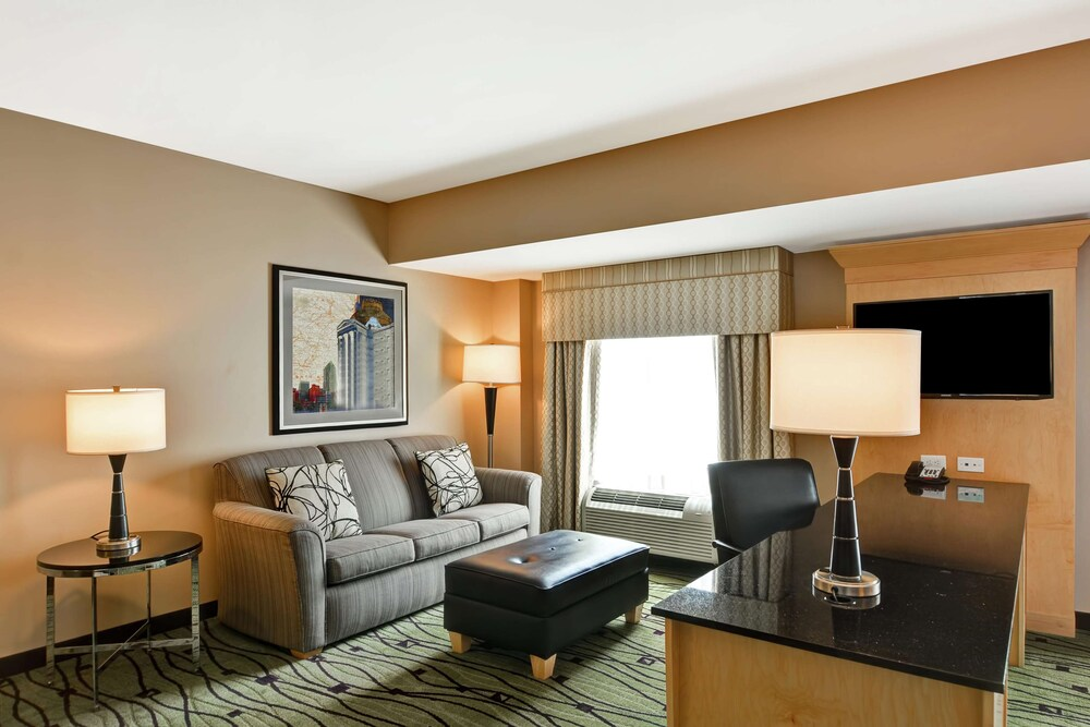 Gallery image of Hampton Inn & Suites Raleigh Crabtree Valley