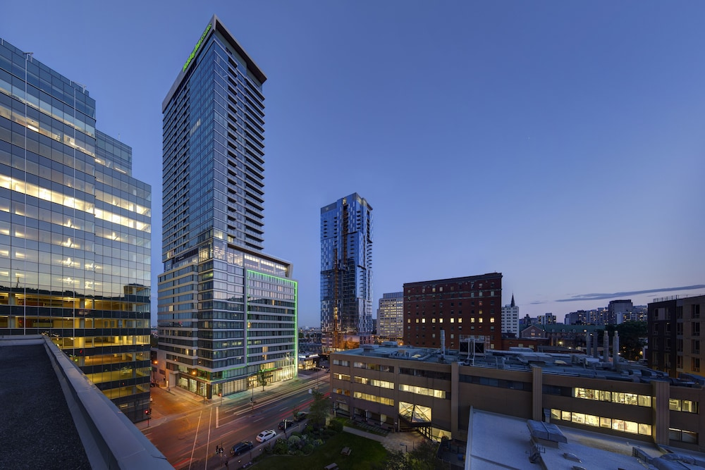 Holiday Inn Hotel & Suites Montreal Centre Ville Ouest