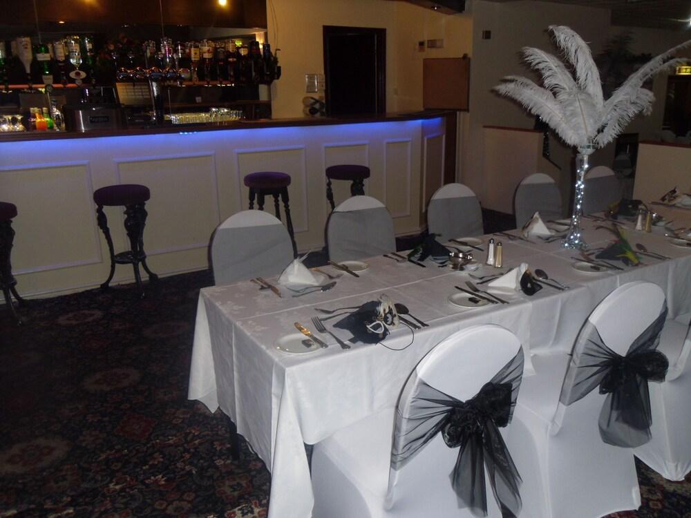 Gallery image of Waverley Hotel