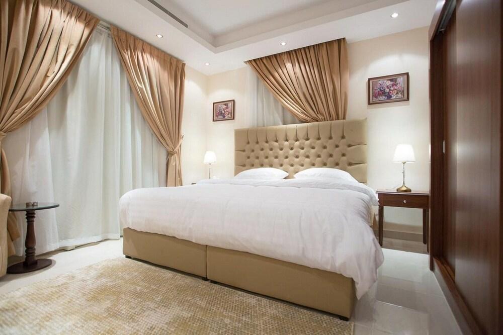 Al Fouz Luxury Hotel Suites