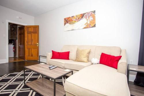 P.H. S 2Br Apartment