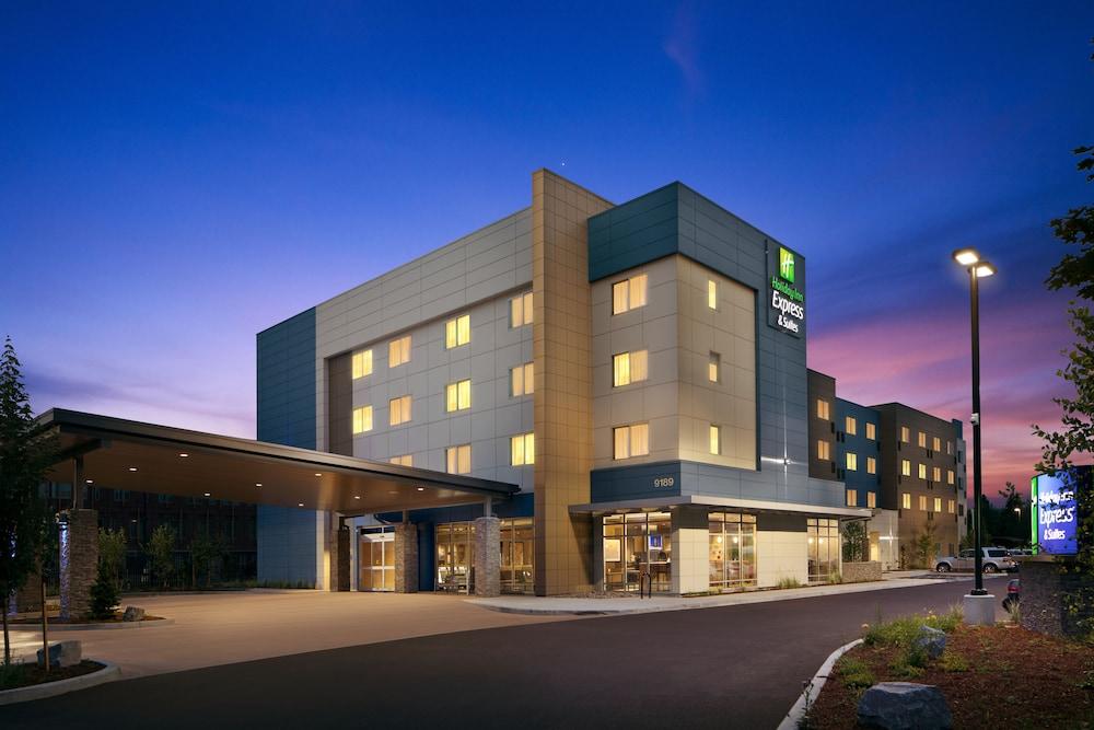Holiday Inn Express & Suites Portland Airport Cascade Stn