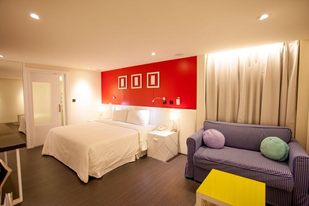 168 Motel Macaron