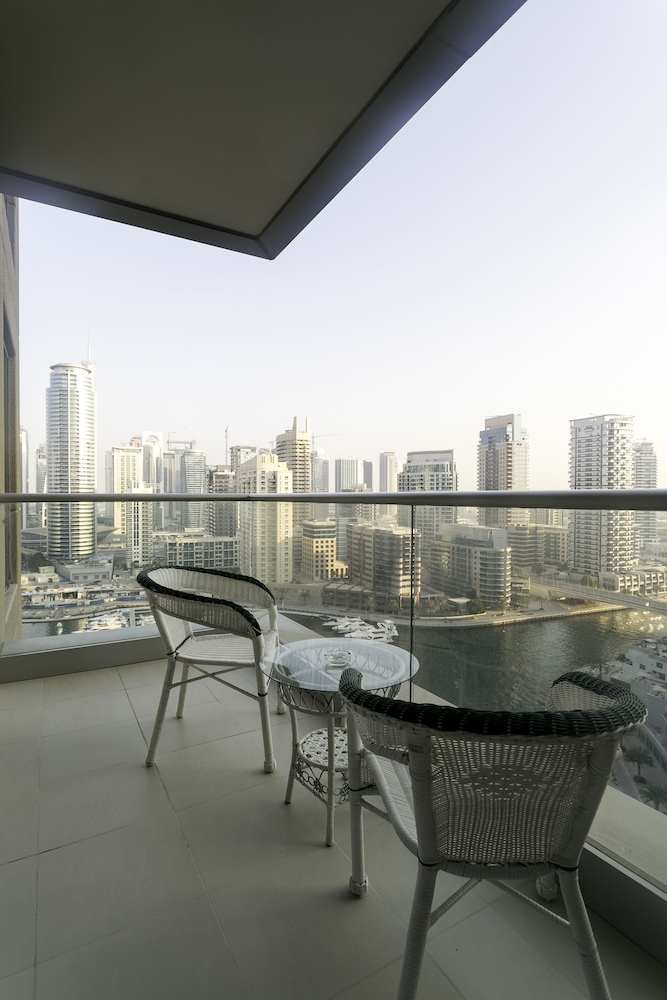 One Perfect Stay Aurora Tower
