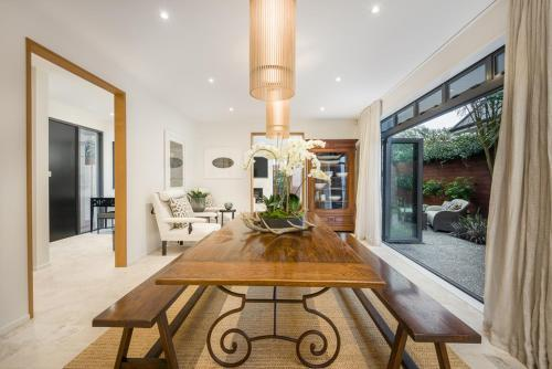 Award Winning luxury home in central Christchurch