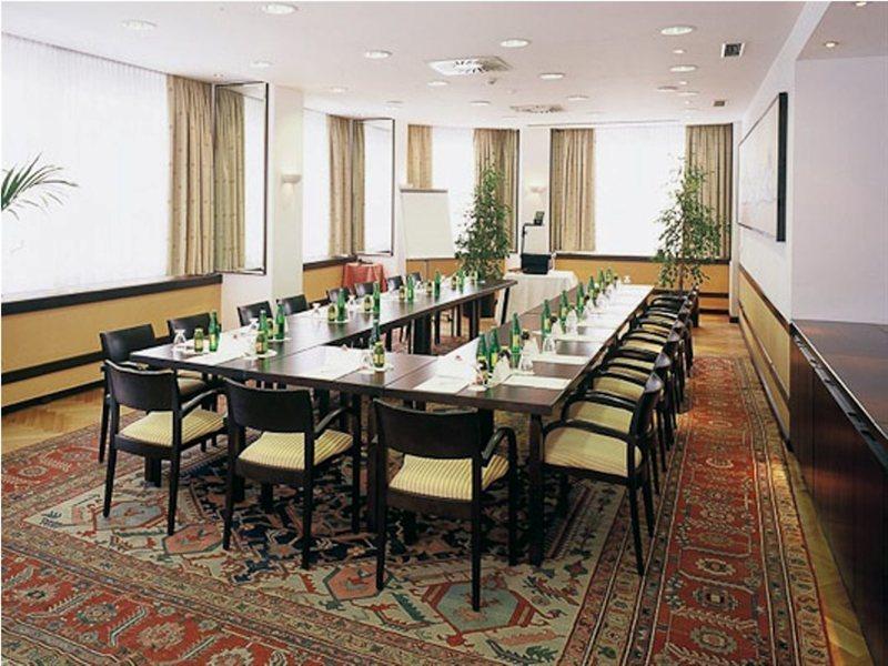 Austria Trend Hotel Astoria (آوستریا ترند هتل آستوریا)