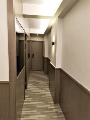 Leighton Apartment Times #E