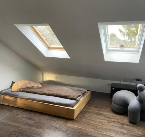 Nürnberg Ost Villenviertel Juniorsuite Zimmer mit Bad mit 35 qm