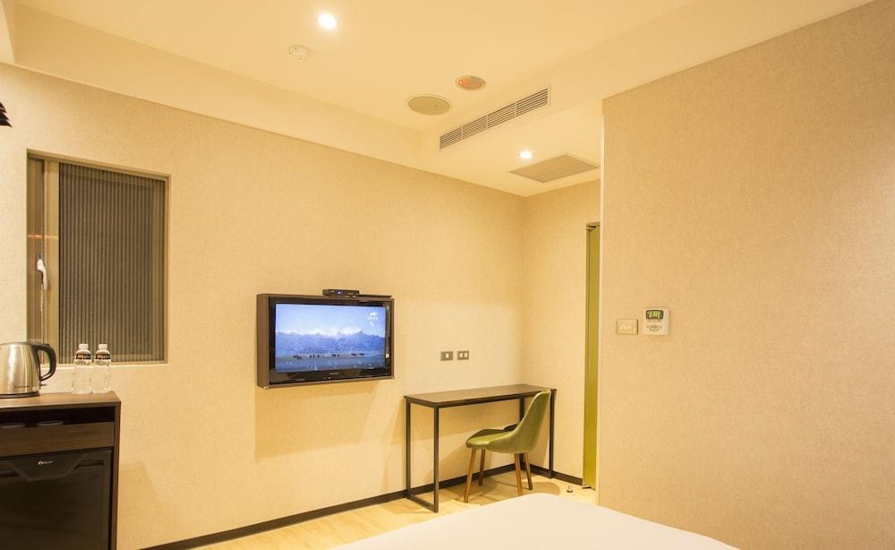 Gallery image of Just Live Inn Taipei