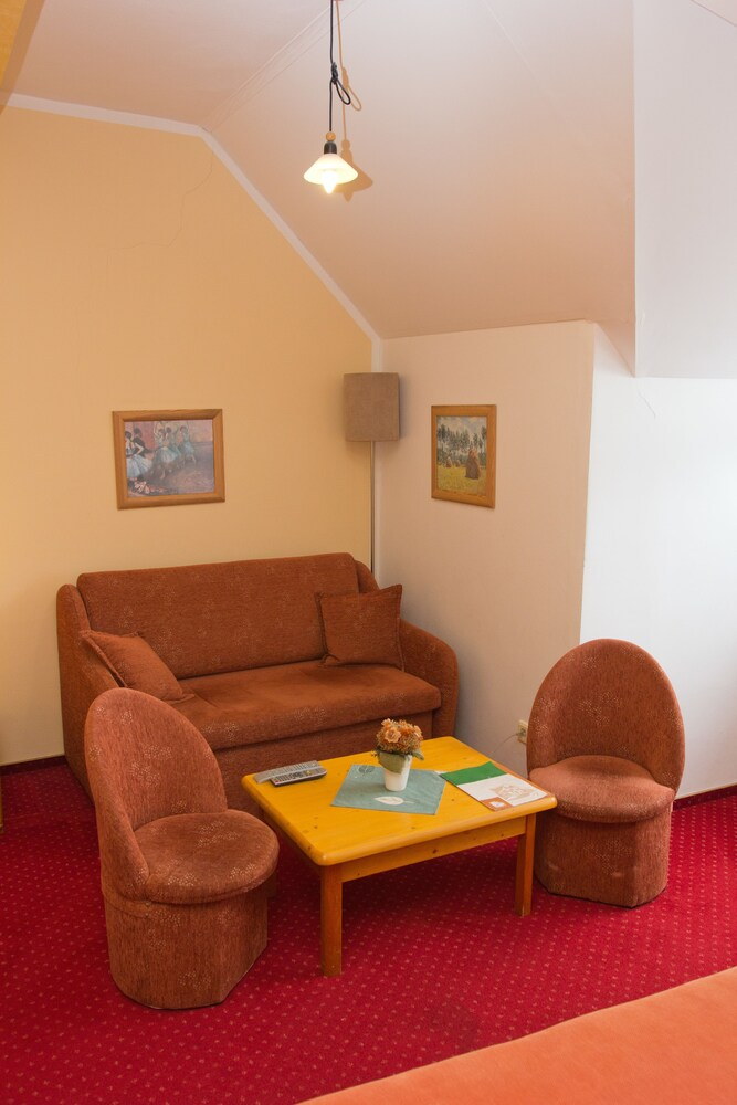 Gallery image of Pension 7