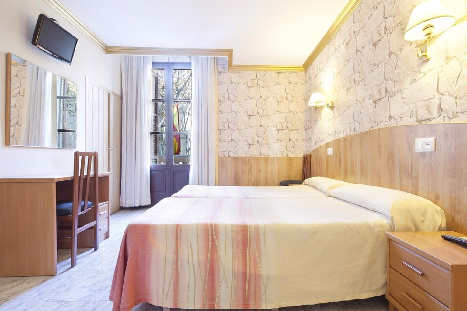 Gallery image of Hotel Fornos