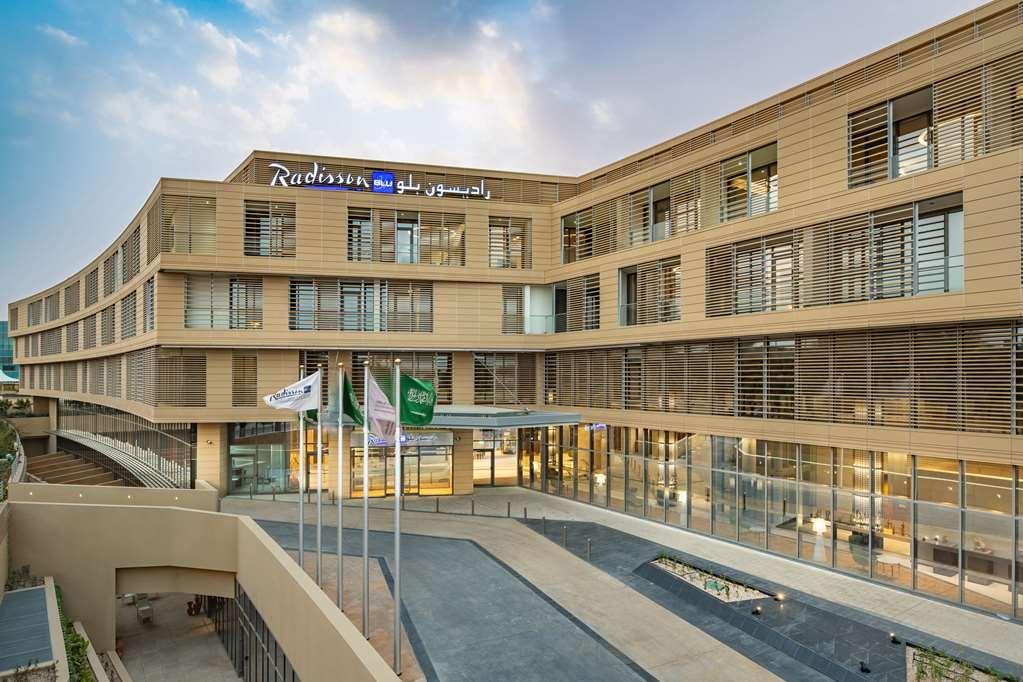 Radisson Blu Hotel & Residence Riyadh Diplomatic Quarter