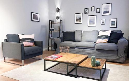 Renovated flat in trendy quarter