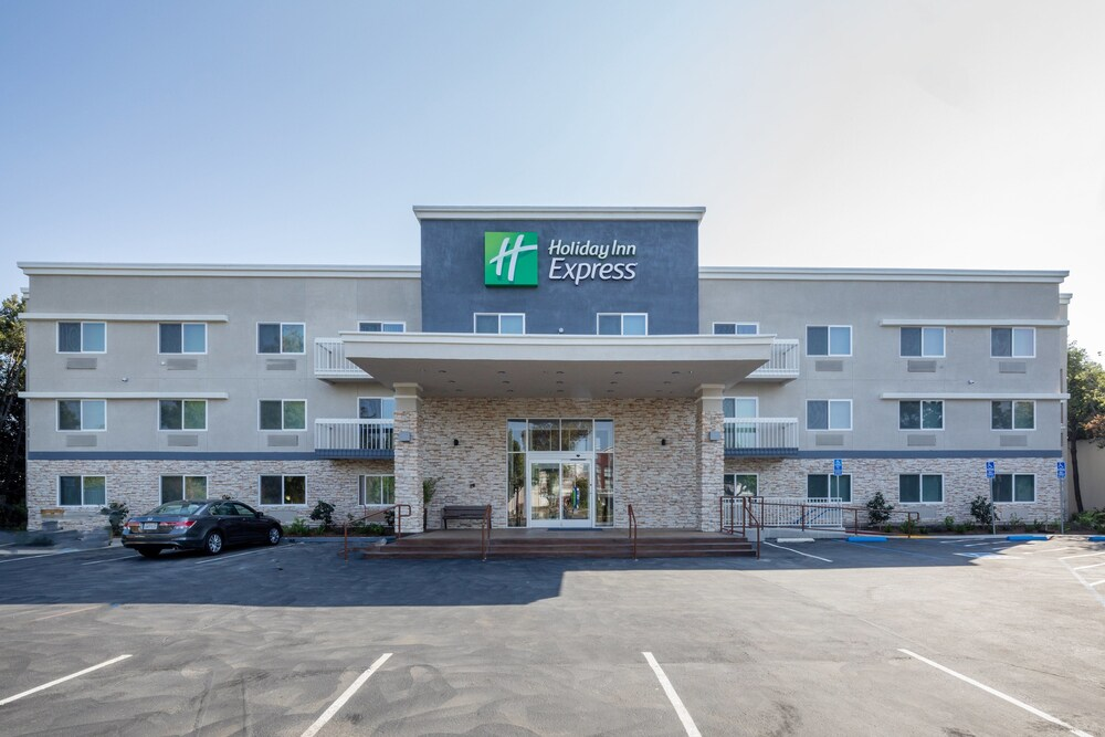 Holiday Inn Express Sunnyvale Silicon Valley