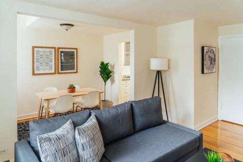 Chic & Prestine 1BR Perfect for Couple Long Stay MG1
