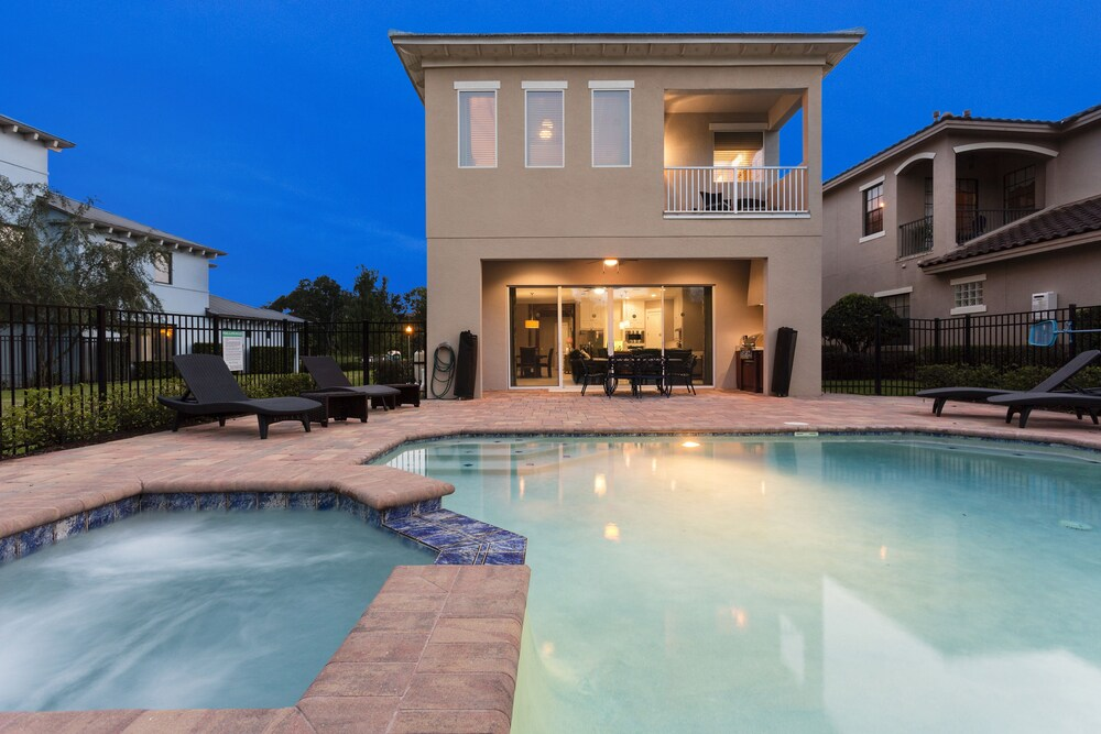 Reunion Resort Pool Home 5 Br home by RedAwning