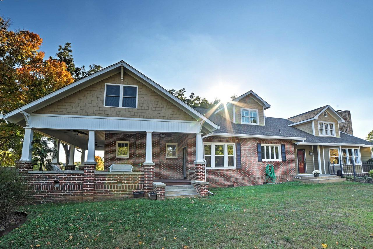 Gorgeous Cleveland House on 1.5 Acres w Porch