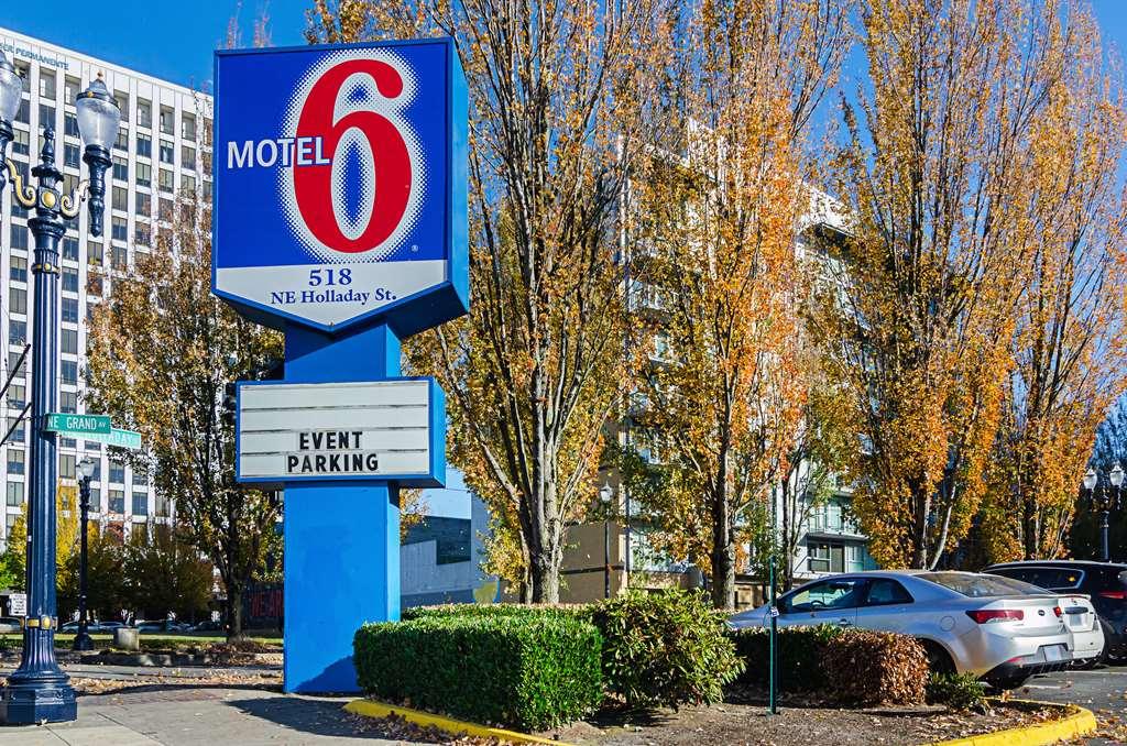 Motel 6 Portland Downtown Convention Center