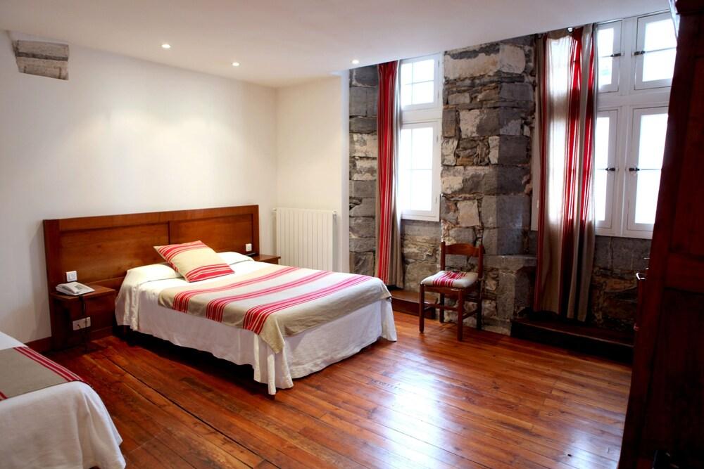 Gallery image of Hôtel Euzkadi